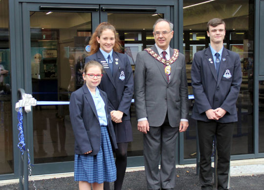 AltonTown Mayor Opens new Dining Hall at Amery Hill School