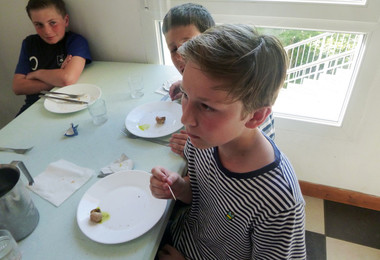 L3 try snails on half term trip to France 2019