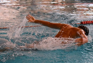 Swimmers Qualify for Summer Championships