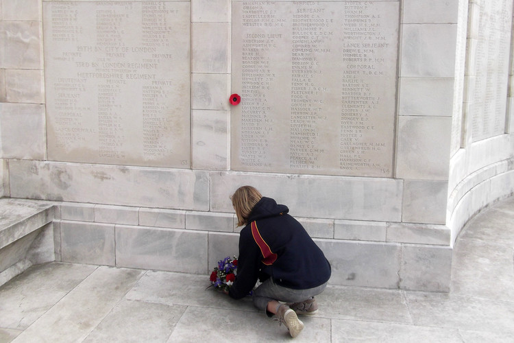 Laying a wreath on 4th Form Battlefields Trip 2019