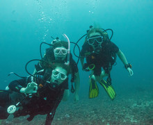 Girls diving on dive trip summer 2019 2