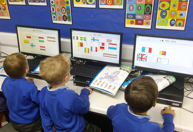 Yr 1 learn about flags of the world