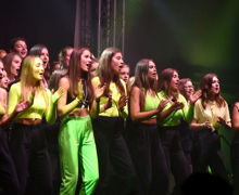 Girls in Yellow performing Unison House Music 2019