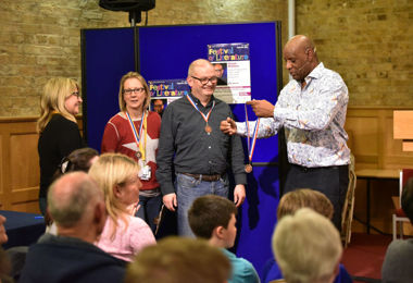 Shaun Wallace with quiz winners at Festival 2020