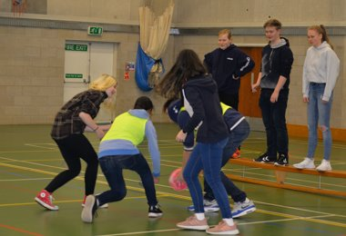 German Exchange playing netball