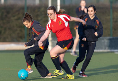 Lower Fifth Girls Kick Off House Football