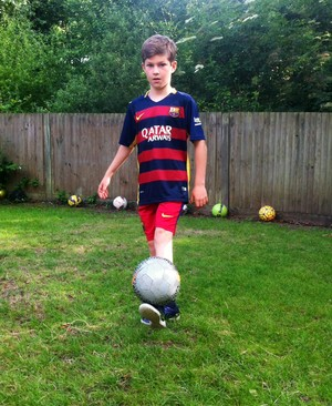 Seth's keepy-uppies challenge to raise money