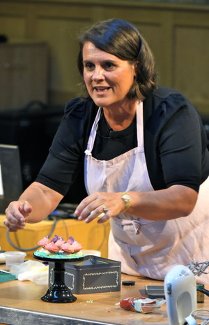 A cake decorating demonstration with Jo Wheatley
