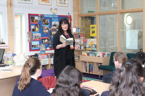 Author Kim Slater with U3 Prep School Pupils