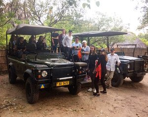 Malawi group by jeep for safari