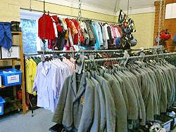 Second hand uniform shop2