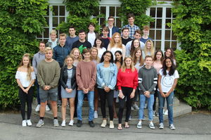 Ten Club Tie GCSE pupils on results day 2017