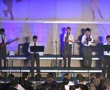 Rowe House performing instrumental House Music 2017