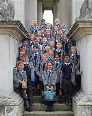Lower shell pupils outside fitzwilliam museum