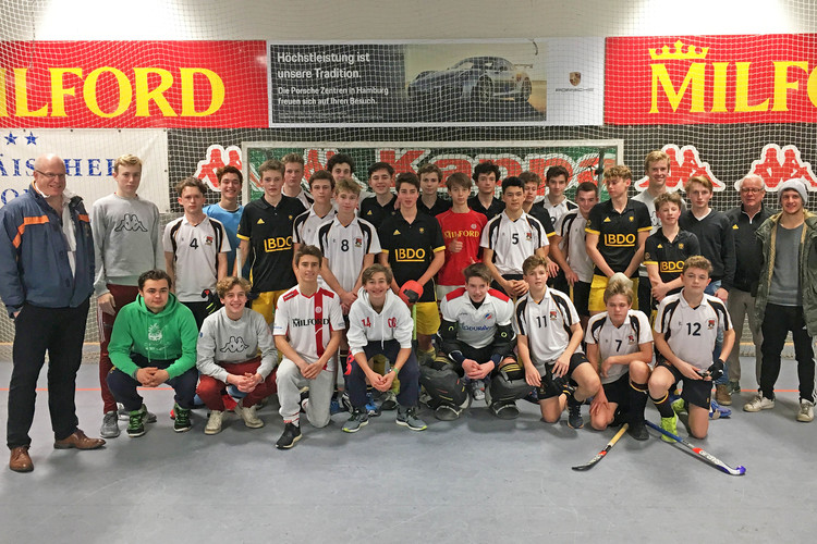 U16 & U18 Hockey Teams with Players in Hamburg