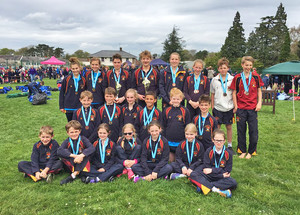 Aquathlon pupils with medals