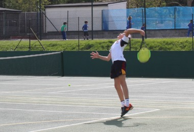 U19 tennis player in Glanville Cup match