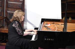 Lucy Parham piano recital Hanbury Wealth