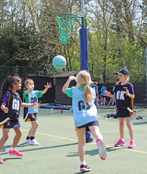 Shell netball players in league competitions 2018