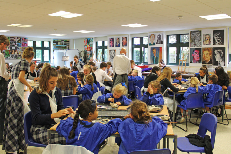 Art workshop for L6 and Year 1 in Art Department