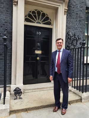 Jmg outside no 10