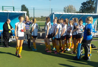U16 hockey girls receive county championship medals