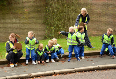 Yr 1 carrying out traffic survey on Hadham Road