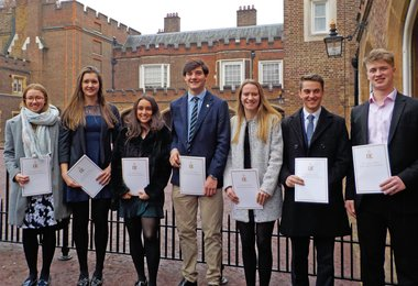 OS Enjoy Golden Moment at St James Palace
