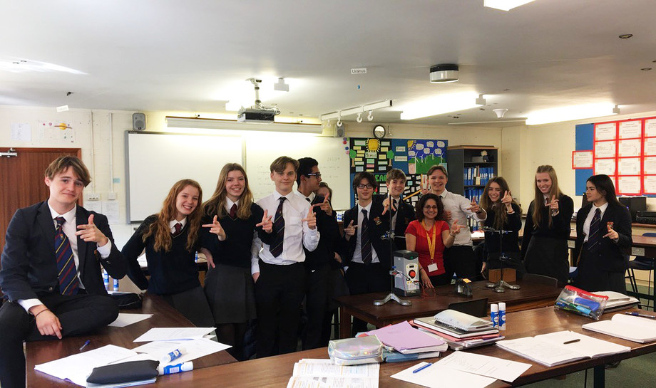 U5th physics lesson flemings left hand rule
