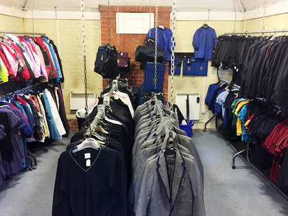 Second hand uniform shop clothes