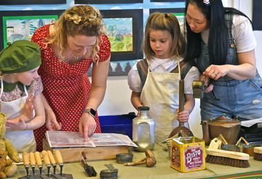 World War II day activities with Year 2 pupils March 2019
