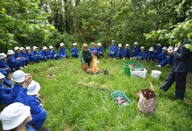 Yr 1 Forest School with Bonfire May 2019