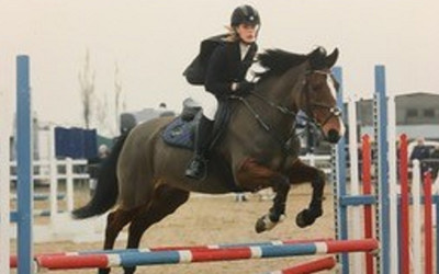 Issy Mohacs Fuller represents CGS in the NSEA Show Jumping Qualifiers