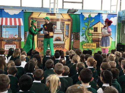 Theatre show comes to school hall