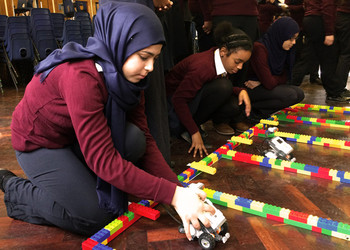 Year 8 Engineer a bright future with Heathrow