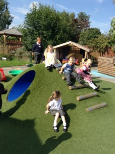 Nursery pupils getting settled in (1)