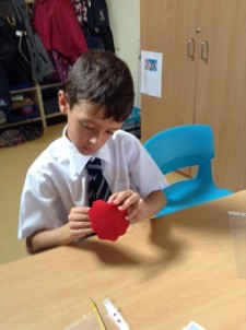 Sewing Tudor roses Year 3 and 4 (3)