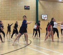Dance Students Work With English National Ballet