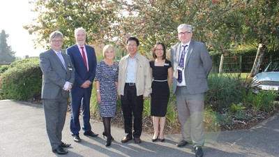 Headteacher of Singapore's flagship School visits Invicta