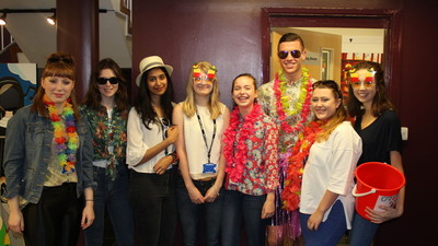 Non Uniform Day - Tropical