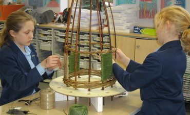 Willow Sculptures with Year 7