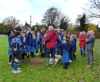 Kingshott tree planting 2019 (23)