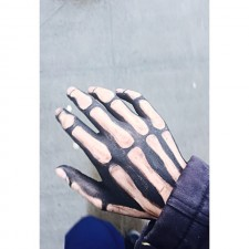 h and b skeleton hand