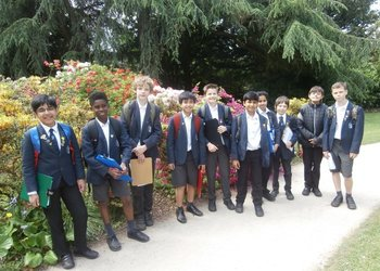 Year 6 geographers explore Didsbury