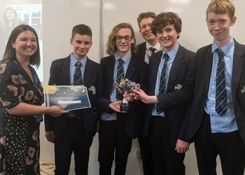 Top prize for physicists