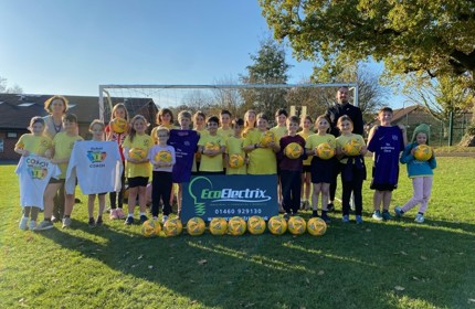 The Redstart Primary School delighted by generous football donation