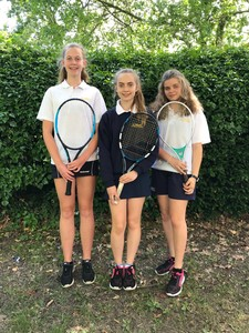 Y9 10 girls tennis